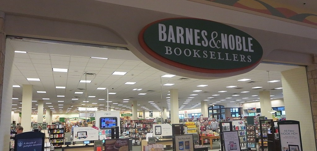 barnes and noble book sellers store