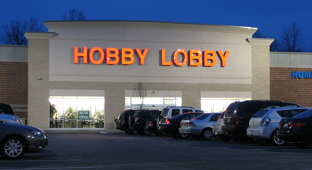 hobby lobby front with vehicles parked